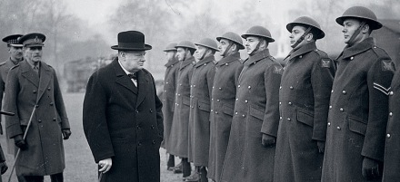Winston-Churchill-and-the-Troops